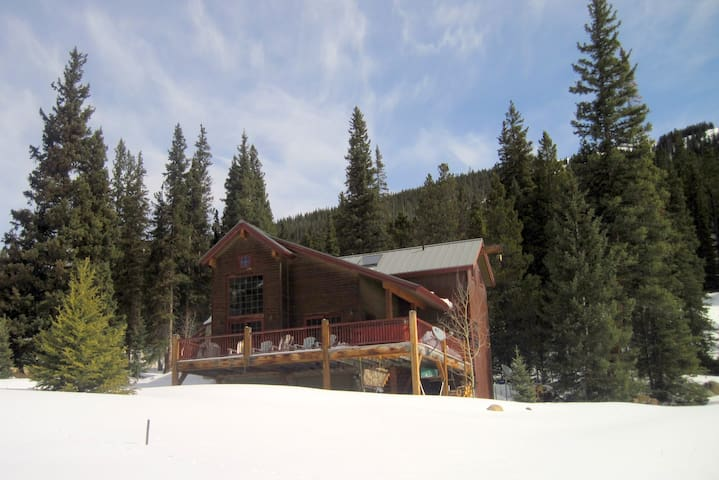 Hot tub on deck-Gorgeous snow, mountain views! - Montezuma