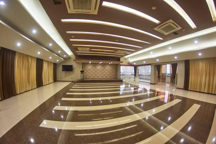 Salón para eventos - Suites Ejecutivas Machala
