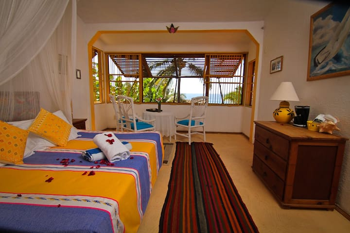 Eco-Boutique Hotel on a hideaway beach in Mexico