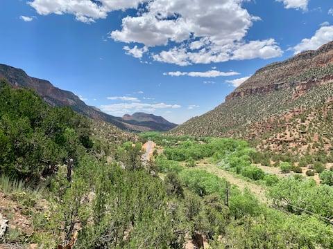 Jemez Springs Mountain Retreat with amazing VIEWS!