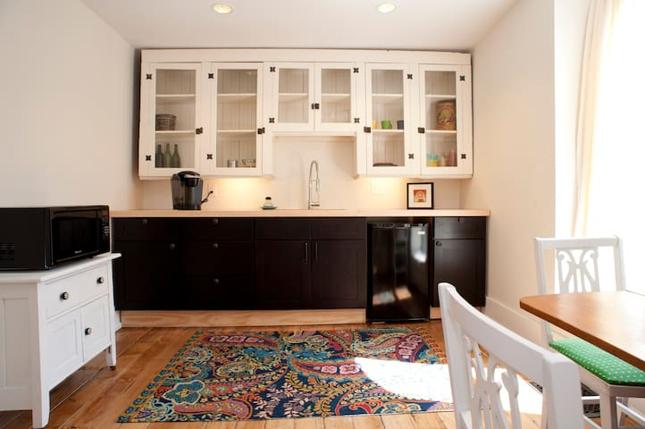 1BR Apt - Hip Downtown Neighborhood - Kansas City - Daire