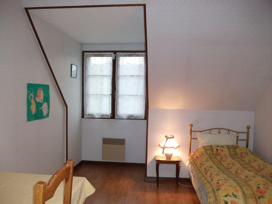 Espace au vert chambre de droite houses for rent in for Emploi espace vert bourgogne