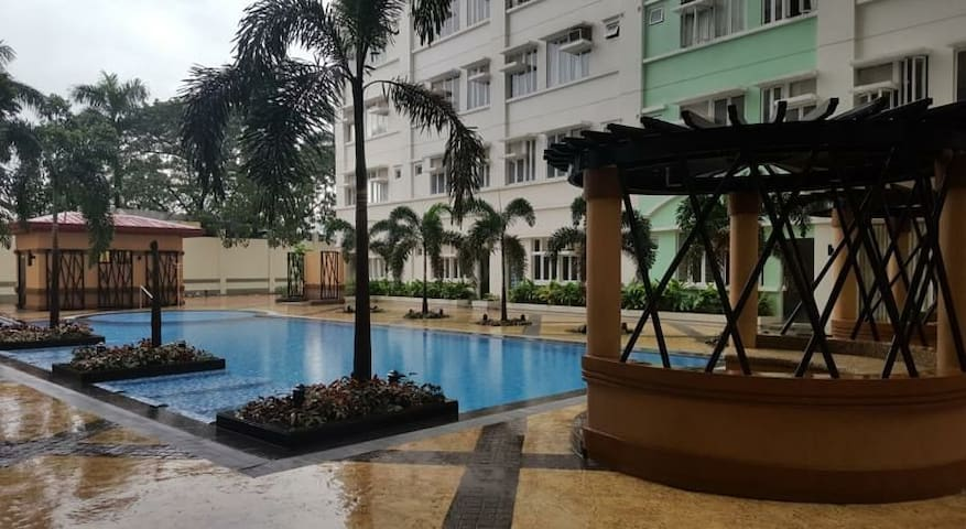 Staycation condo just across SM Manila!