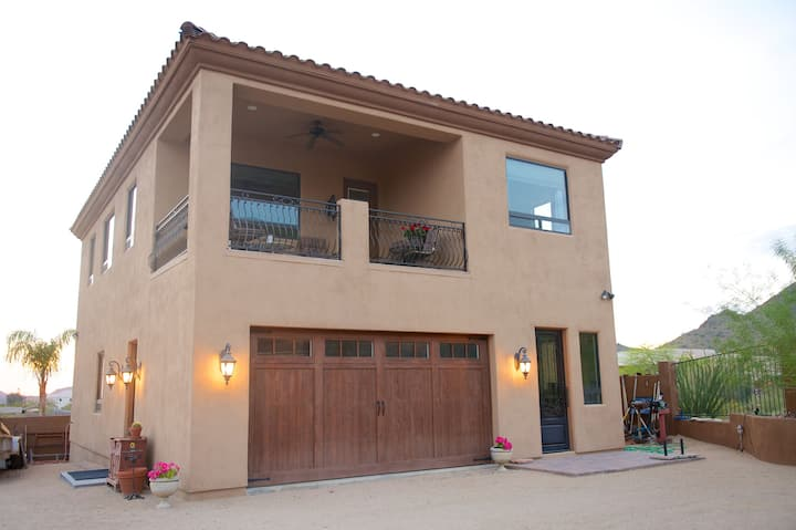 Desert Paradise Guesthouse
