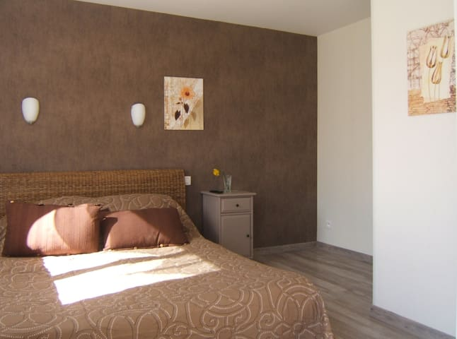 le clos albertine chambre Nature - Villeneuve-Tolosane - Bed & Breakfast