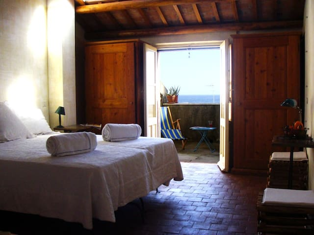 """Fico B&B"" Triple room with bath - Santa Teresa di Riva - Bed & Breakfast"