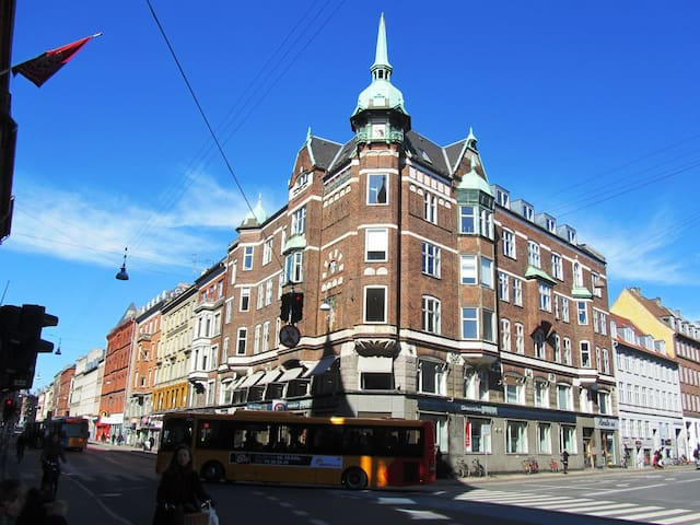 Large apartment on central Nørrebro