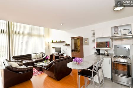 Nice apt heart Miraflores 11th fl - Miraflores District