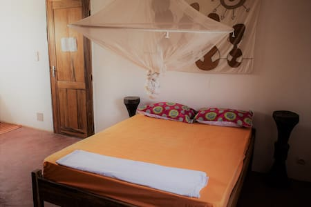 Double Room with private toilette - Toubab Dialao - Bed & Breakfast