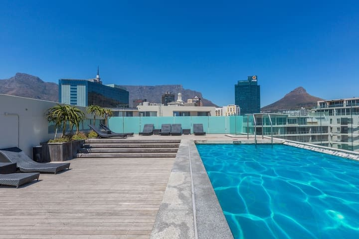 Majestic V&A Waterfront 2 Bed 2 Bath Luxury