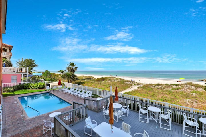 Oceanfront condo w/shared pool & views-walk to dining & attractions