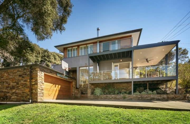 Sunnybrae - lovely holiday house with great spaces