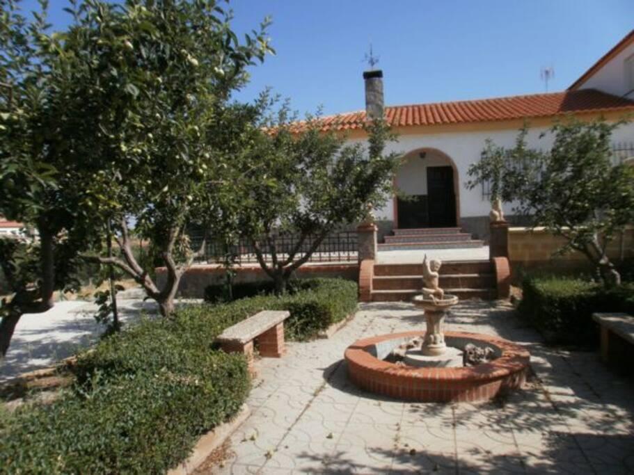 Casa rural con piscina y jardin cogollos de guadix chalets for rent in cogollos de guadix - Casa rural guadix granada ...