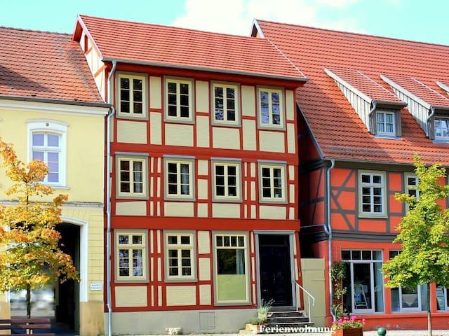 Am Rande der malerischen Altstadt, nahe der Elde