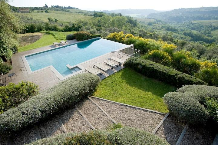 CHIANTI,Villa,piscina, 200mtr dal paese medievale!