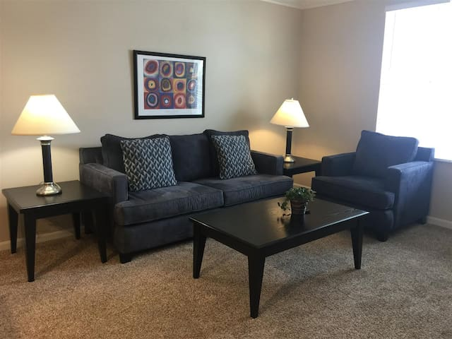 1BD/1BA Gahanna Apartment