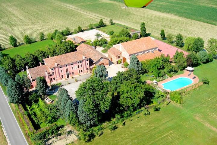 boerderij-appartement in Veneto, met gedeeld zwembad