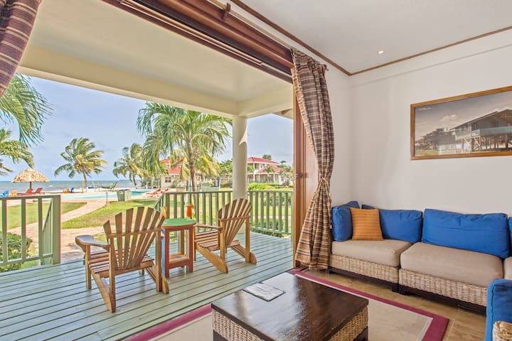 Two Bedroom Beach House with Beautiful Beach Views!