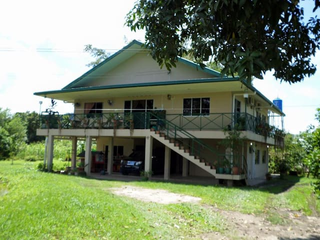 River Sanctuary Lodge for Fishing & Nature Lovers - Papar - Casa
