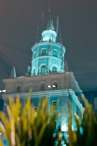 апартаменты  с прозрачной душевой  в центре города