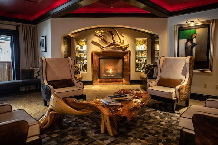 Executive Suite in the Heart of Beaver Creek Village, Hot Tub