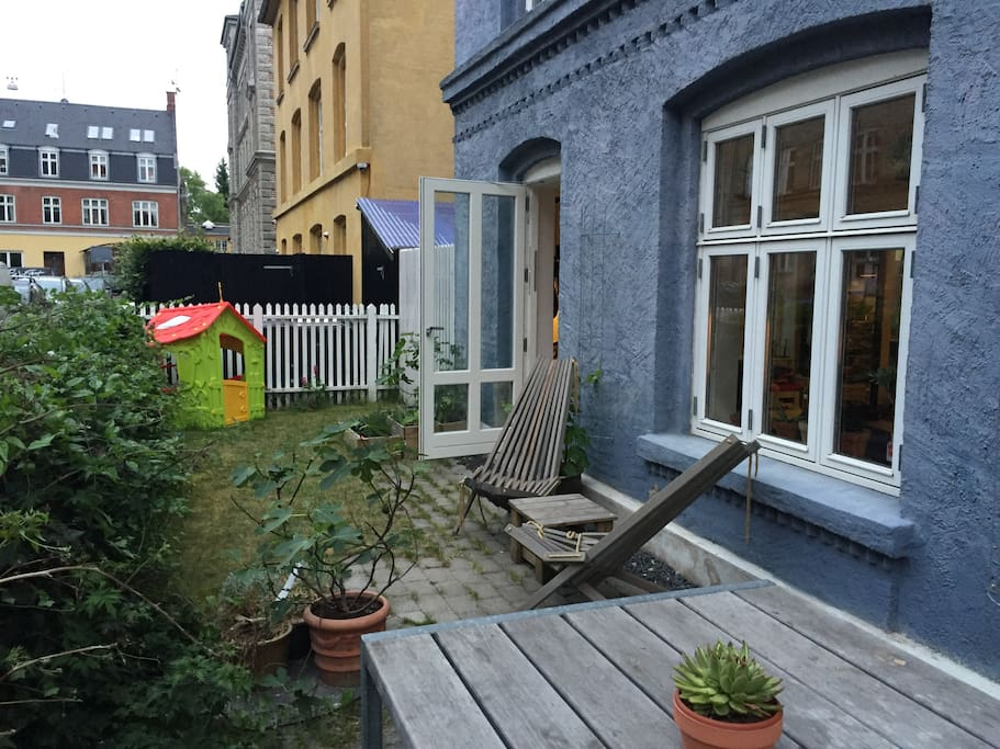 Direct access to private front garden