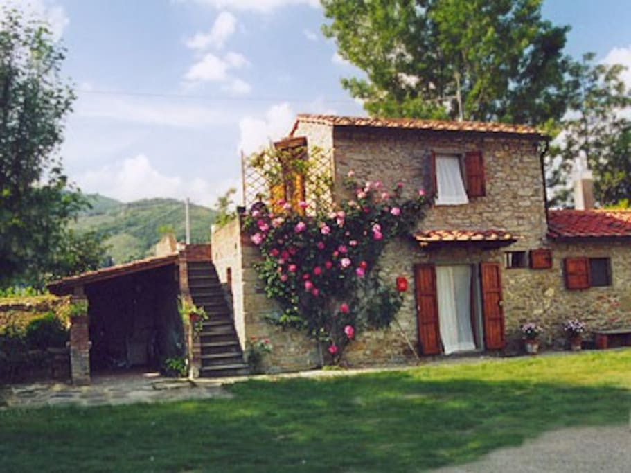 Old Tuscany Cottage Casa Camilla Cabins For Rent In