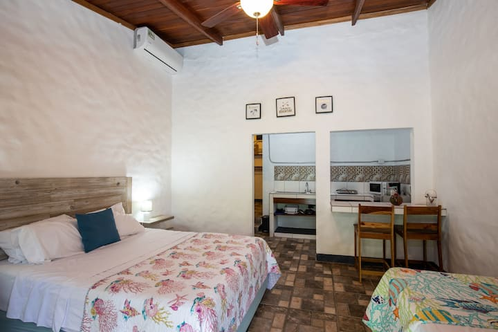 BoscoMare Villa (Tucan Room)