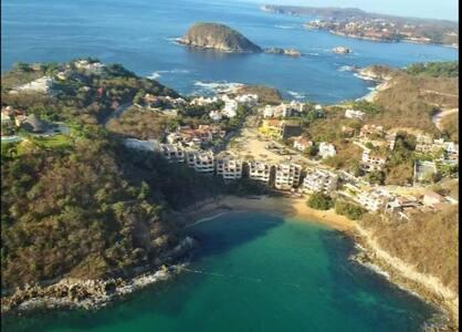 Spectacular Oceanfront 3 Br Luxury Apartment