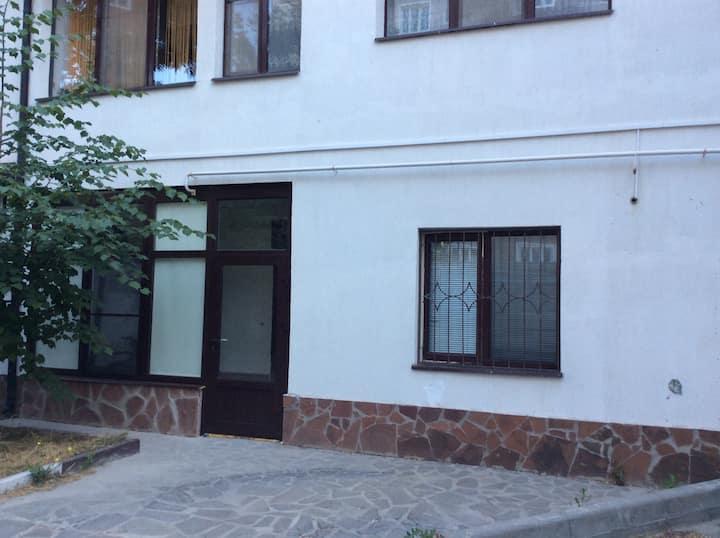 Уютная квартира с парковкой под окном