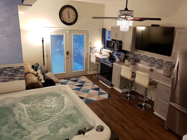 Book Today! Luxury Indoor HotTub Suite!