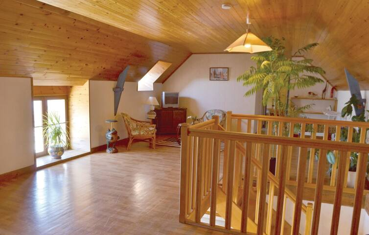 Holiday cottage with 4 bedrooms on 150m² in Clohars Carnoet