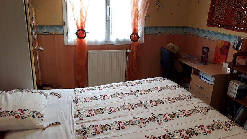 Chambre particulière n°1 / maison (Cestas Gazinet)