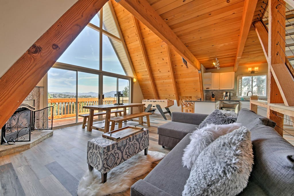 Floor-to-ceiling windows provide endless views of the landscape!