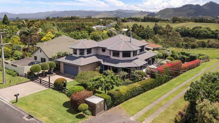 Amazing house in fantastic boaties location