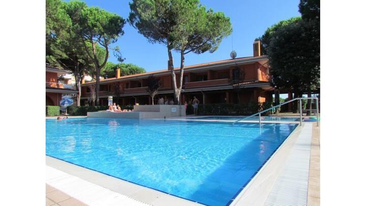 Splendida residenza - Piscina - Parcheggio - A/C