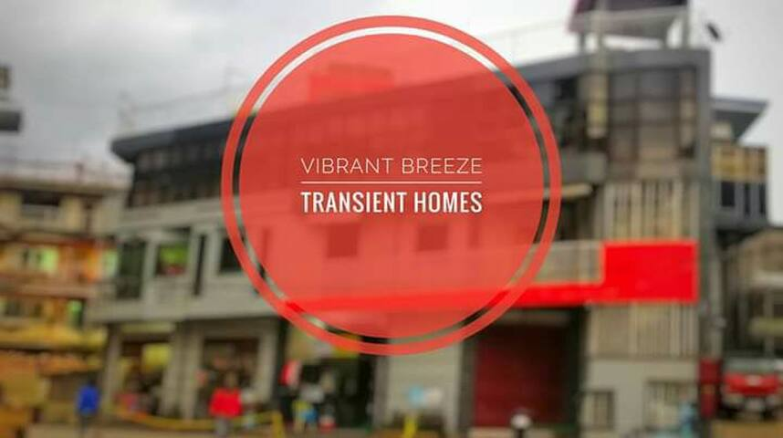 ViBRANT BREEZE TRANSiENT HOMES
