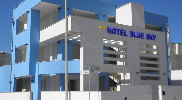blue sky  Bed and Breakfast