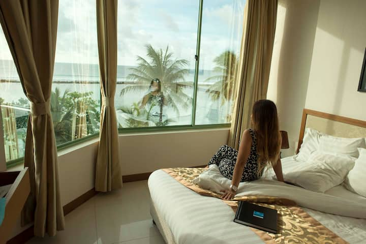Awesome Sunrise Stay & Excursions