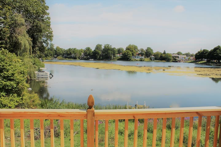 Serenity Cove, peaceful lakefront home.