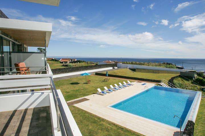 Sea, Charming B&B in Lux Villa,Jacuzzi, Pool & + e - Azores - Pension
