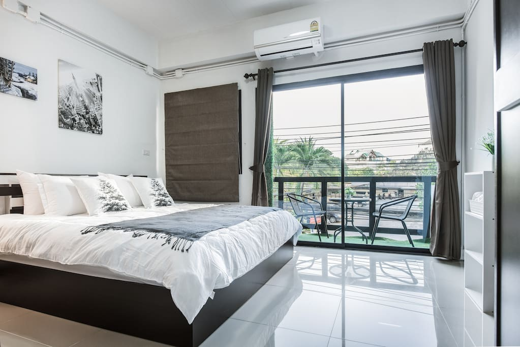 A view on Nimman soi 17 from the 2nd floor bedroom