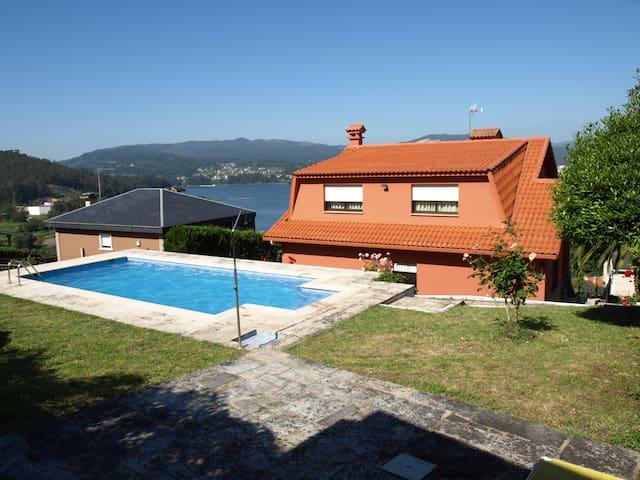 Chalet con piscina a a 15 minutos de Vigo - Pontevedra - Dům