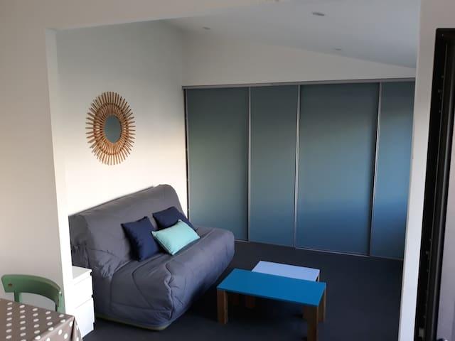 Relecq kerhuon, A Louer, Studio meublé indépendant