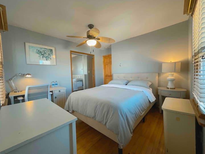 Entire Cozy 1 Bedroom Private Home