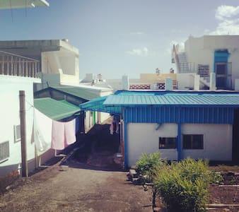 芝田織田民宿-住海邊四人雅房 - Chenggong Township - Bed & Breakfast
