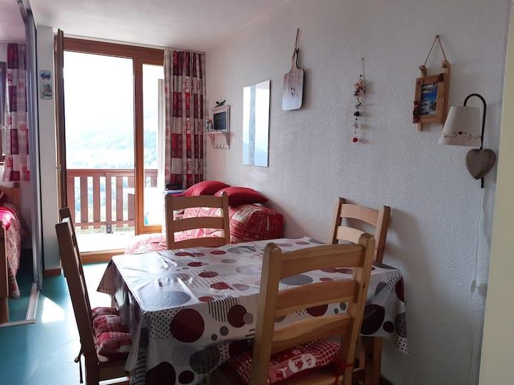 Studio in Saint-François-Longchamp, with wonderful mountain view and balcony