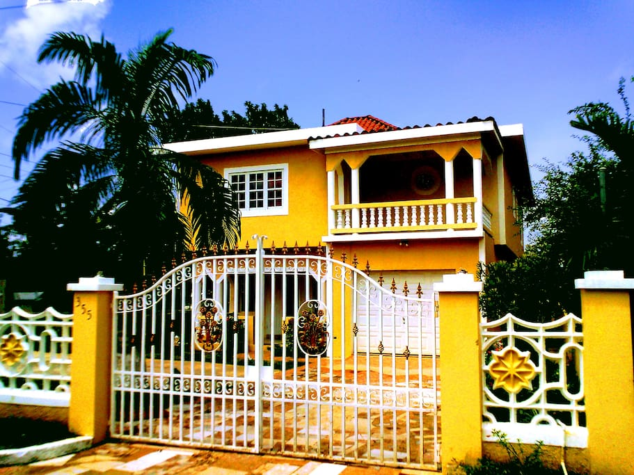 See here the front view of your Jamaican stay.