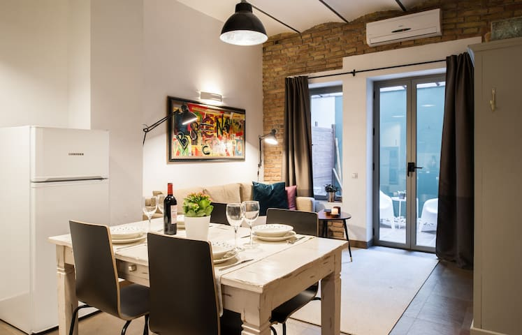 CENTRIC & TERRACE & NEW apartment in Barcelona