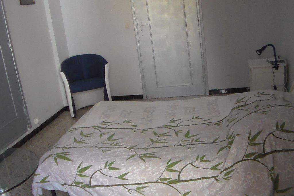 Chambre calme, climatisée pour 1 ou 2 personnes